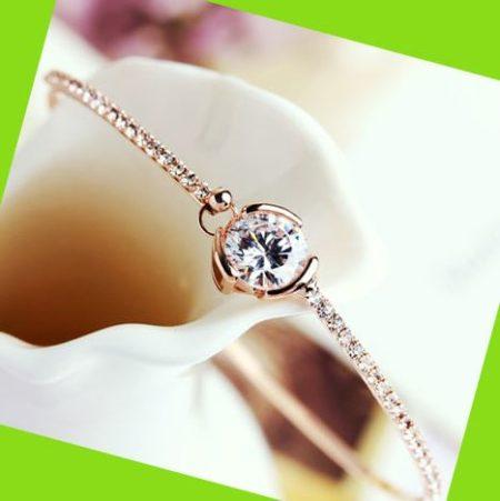 Exclusive Diamond Rhinestone Bangle